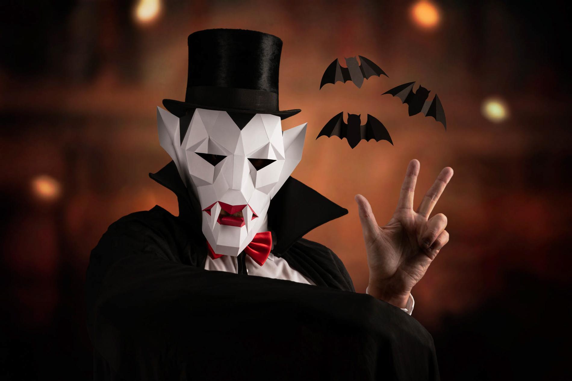 Dracula with 3 bats