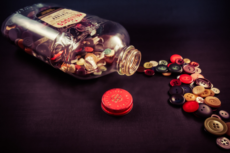 button by Debi FrancisSecond by Sandra ParlowHM by Rita Zietsma