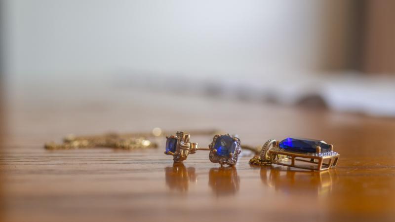 earring by greg kerr