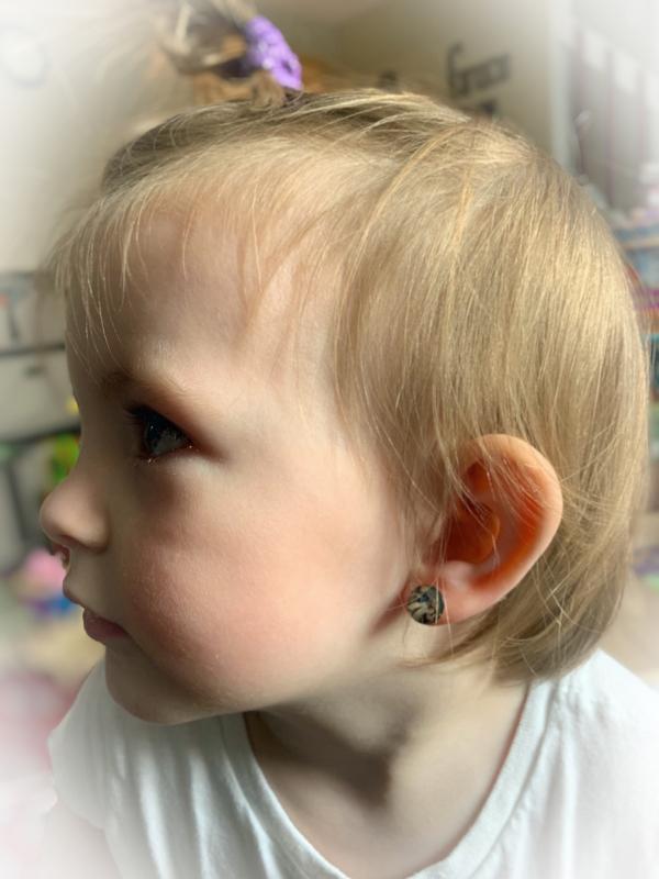 earring by karen dunham