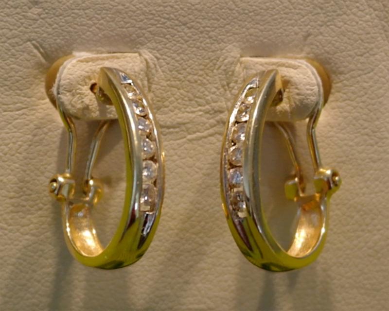 earring by marcia borell