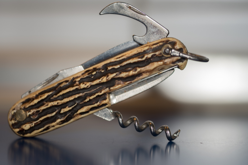 knife by marion hohlbaum